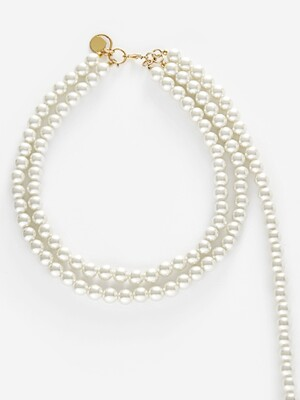 ``drop``ped pearl necklace