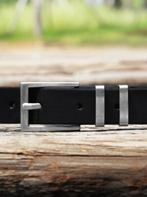 Metal Ring Italian Leather Belt_Black