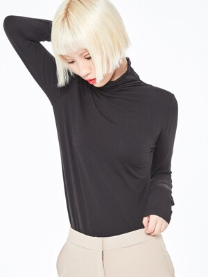 ULTRA SOFT TURTLENECK-BK
