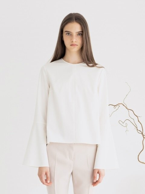 Lizzy Bell Sleeve Blouse