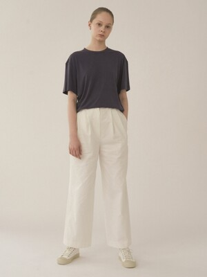 Back stitched wide trouser