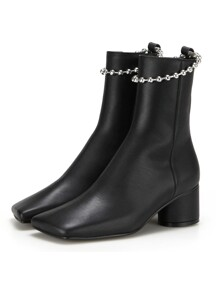 Squared toe ankle boots | Black