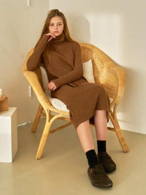MTOF3 TURTLENECK OPS(BROWN)