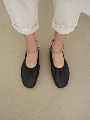 10mm Doris Ballerina Flat Shoes (Black)