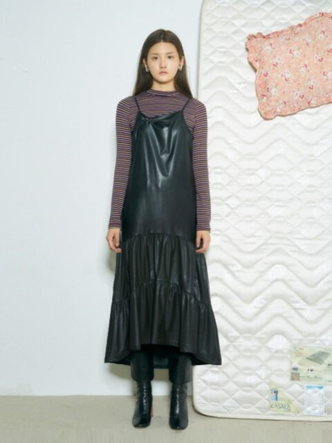 LEATHER SHIRRING DRESS [BLACK]