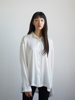 UNISEX BOXED SILK SHIRT / WHITE