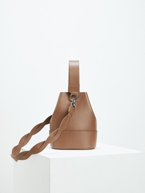 NOUER BUCKET BAG [누위 버켓백]-TAN