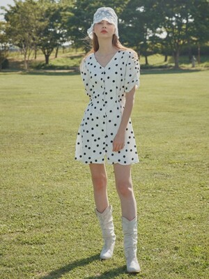 V-neck dot one-piece_white
