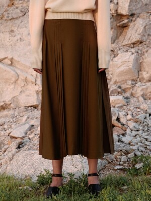 side-slit pleats skirt (deep khaki)