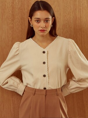 [By Joorti] J254 Wood button blouse (ivory)