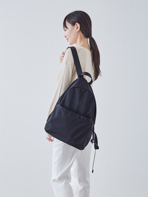 BLACK POCKETABLE DAYPACK