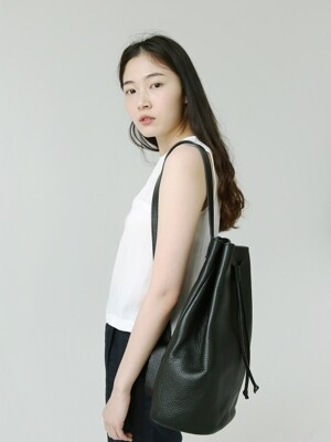 single bucket bag · black