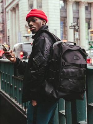 R2G PRO BACKPACK (ALL BLACK)