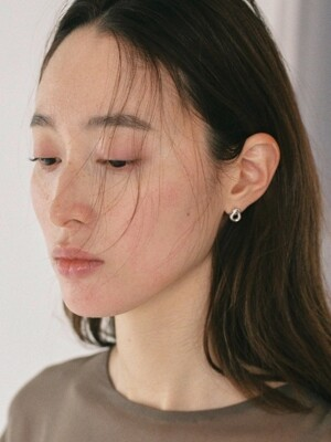SMALL GRAY STUD EARRING