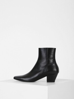 SLIM LINE ANKLE BOOTS - BLACK