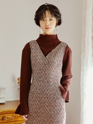 UNBALANCE FLARE DRESS _ BURGUNDY