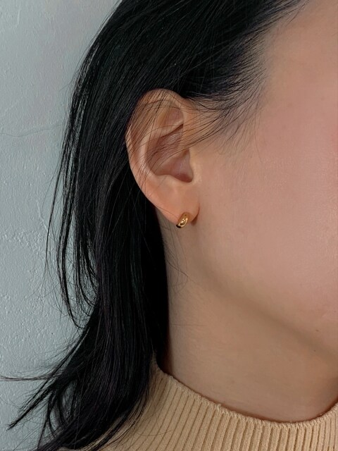 Small Half Moon Earring_Gold