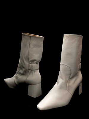 Middle Cowhide Boots_19iv