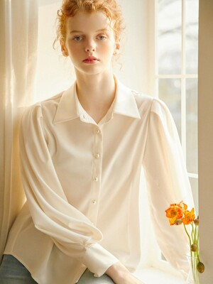 Laura Pearl Blouse_Ivory