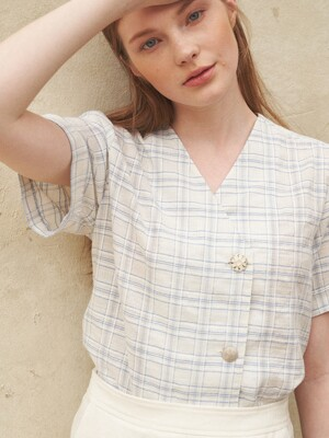 No-Collar Check Blouse