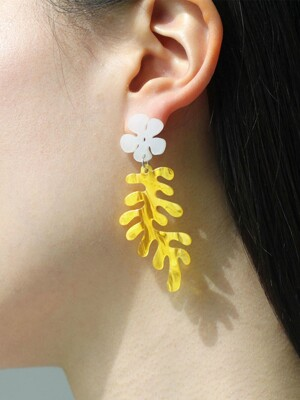 Coral Reet Earrings