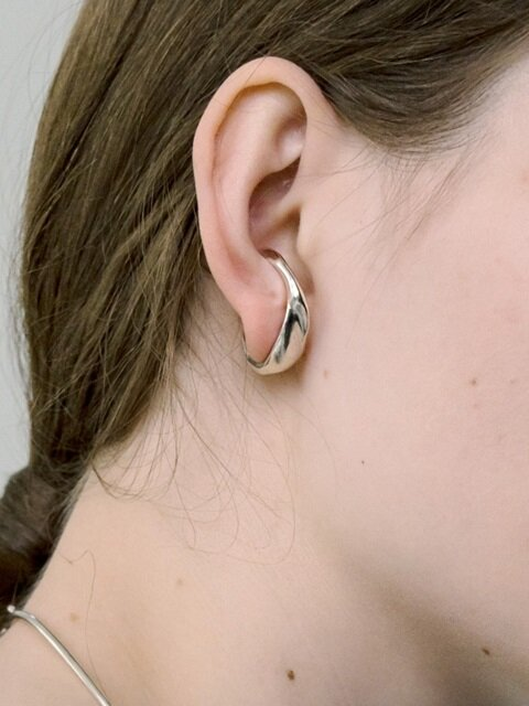 Wave ear-cuff earring