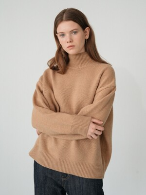 cashmere turtle-neck knit (camel)