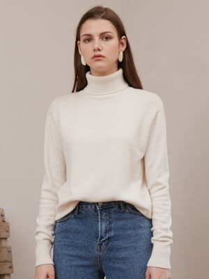 BASIC TURTLE-NECK KNIT_IVORY