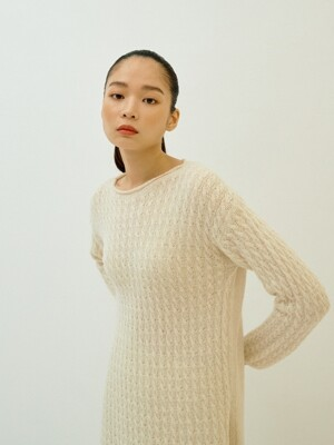 IVORY BABY ALPACA CABLE TOP