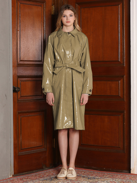 ENAMEL TRENCH COAT [KHAKI]