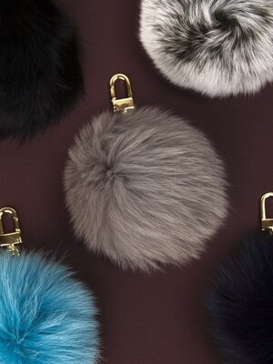 FOX FUR POMPOM Charm 13 Color