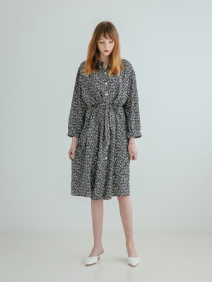 LOOSE FIT ROBE DRESS BLACK
