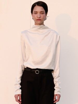 string shirring turtle-neck top (white)