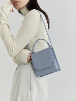 ENVELOPE LEATHER BAG (LIGHT BLUE)