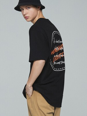 SAYING LAIRD PRINT HALF T (BLACK)
