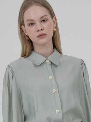 Puff sleeve blouse in mint