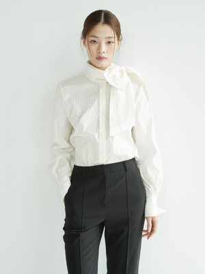 DAECHI Tie blouse (Cream stripe)
