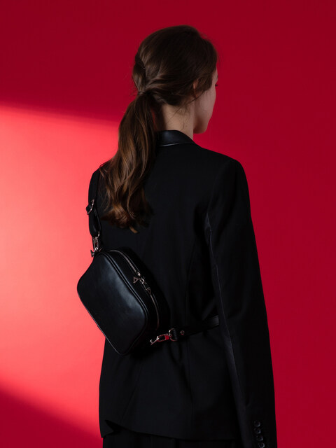 MAME shoulder bag (black)