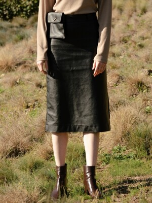 monts 991 leather skirt with pocket (black)