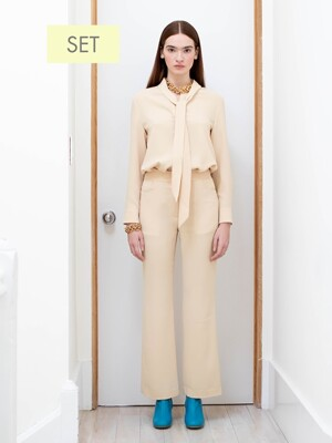 NAPOLI long sleeve tie blouse(Custard) & SOHO high waisted flared trousers(Custard) SET