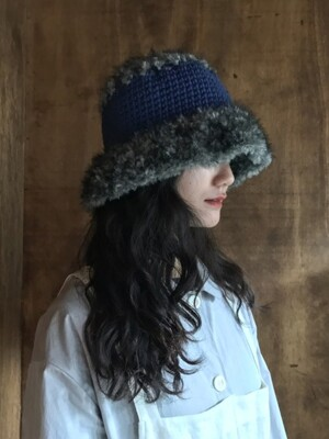 furry hat blue