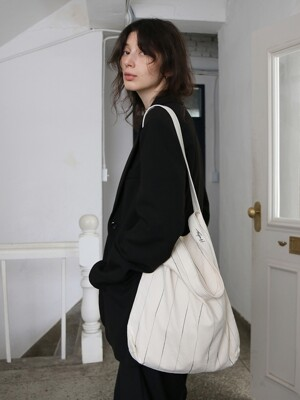 [단독]Double-strap Bag (Black/Ivory stripe)