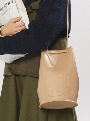 minimal cylinder bag - beige color