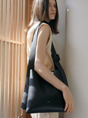 ARC SMALL BUCKET _ Artificial Leather_BLACK