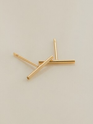 14k gf thin stick earrings (14k 골드필드)