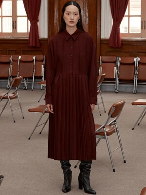 [EXCLUSIVE] PLEATED DRESS - BURGUNDY