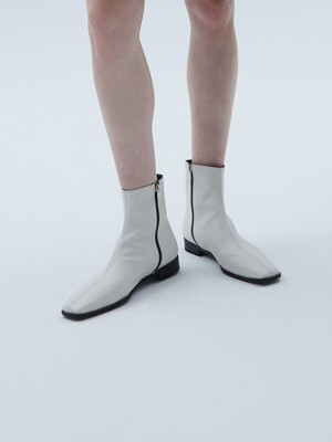 Square-toe Leather Boots [LMF207]