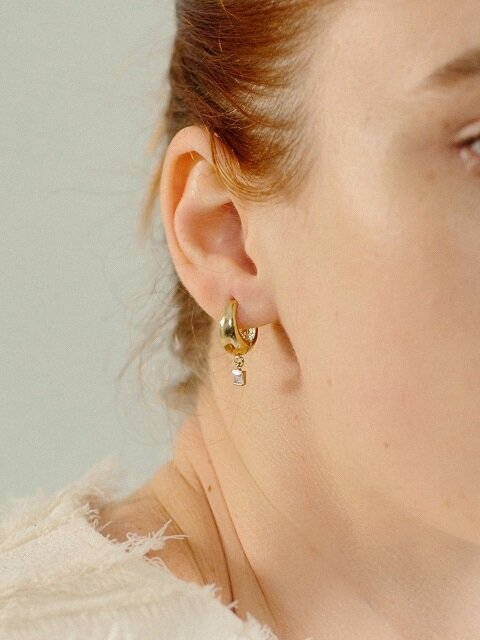 i_e32 chunky one touch earring