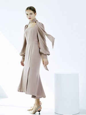[EXCLUSIVE] SIERRA Square neck mermaid line Dress (Cocoa Beige)