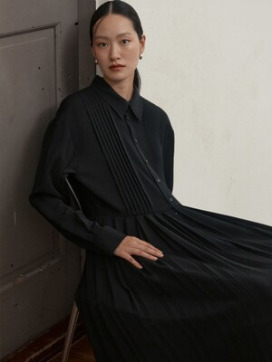 [EXCLUSIVE] PLEATED DRESS - BLACK